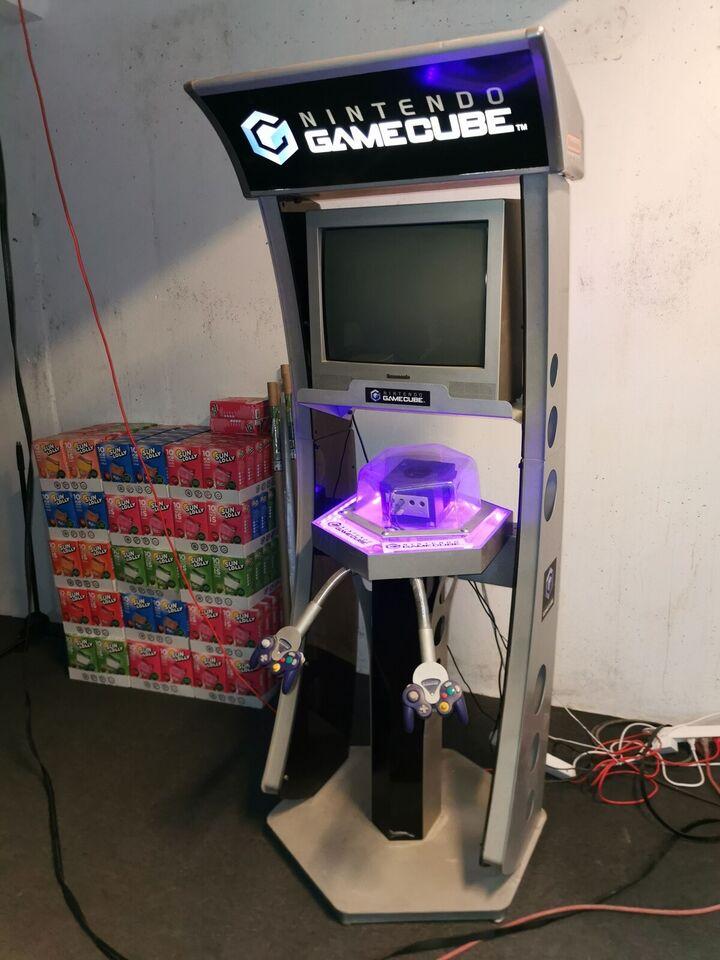 Nintendo game cube kiosk, spillekonsol, God