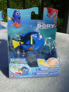 DISNEY FINDING DORY SWIGGLEFISH HTF MR RAY ACTION ROLLING FIGURE TOY NEW MIP!