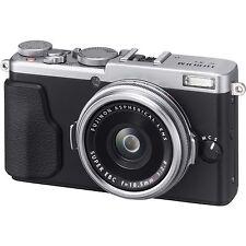 Fujifilm Fuji X70 Digital Camera - Silver (UK Stock)