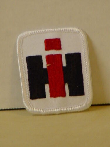 2 INTERNATIONAL HARVESTER PATCHES