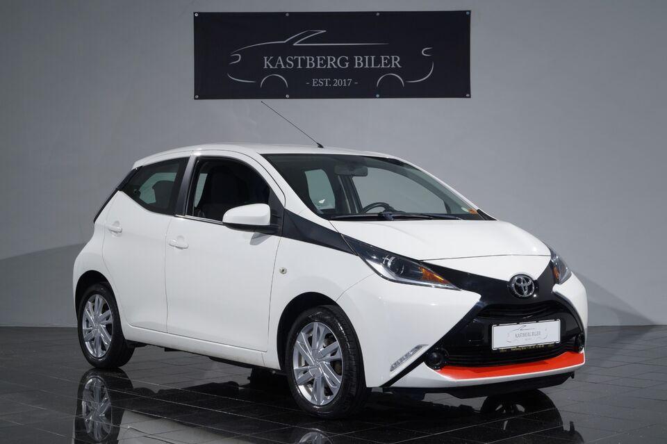 Toyota Aygo 1,0 VVT-i x-play Benzin modelår 2015 km 104000