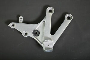 HONDA-CBR600RR-039-13-OEM-RIGHT-FOOTREST-BRACKET-HANGER-MFJ-M-R-R-1-110