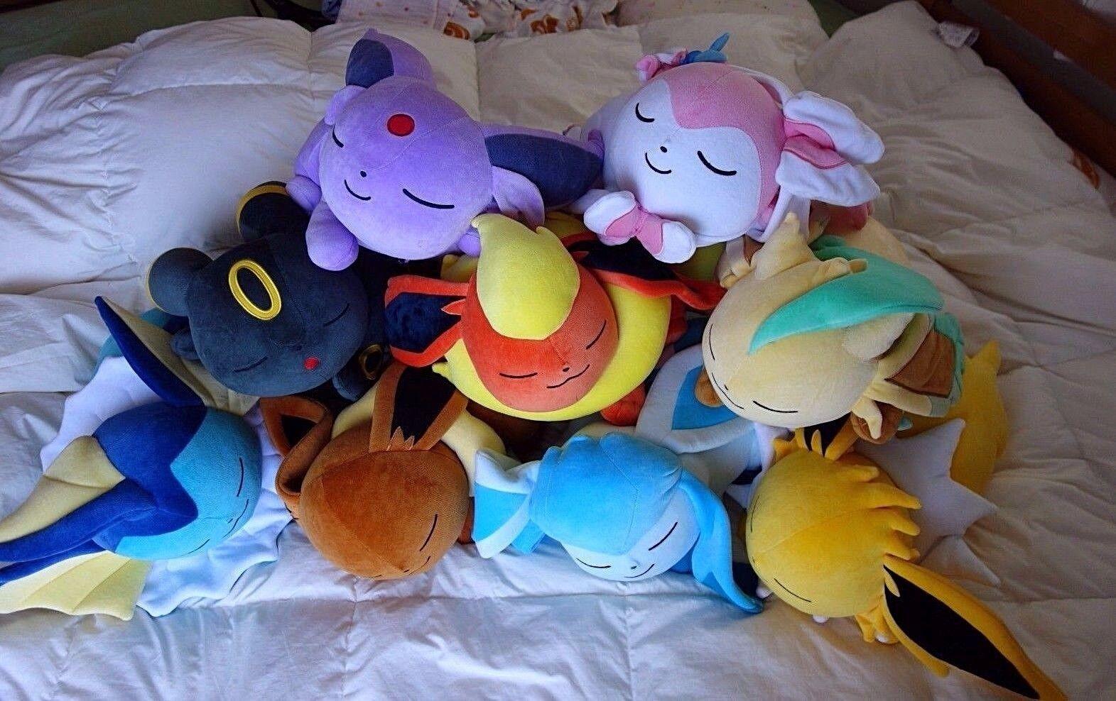 Espeon eeVee  2018 Pokemon Center Ltd Suyasuya Sleeping Espeon Poké Plush