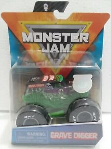 Grave-Digger-Legacy-Trucks-2020-Spin-Master-Monster-Jam-1-64-Scale-Truck-more