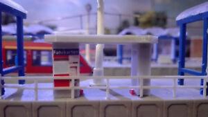 Fahrkartenauto<wbr/>mat DB Ticketautomat  und Fahrradunterst<wbr/>and | Bahnsteig |  |1:160
