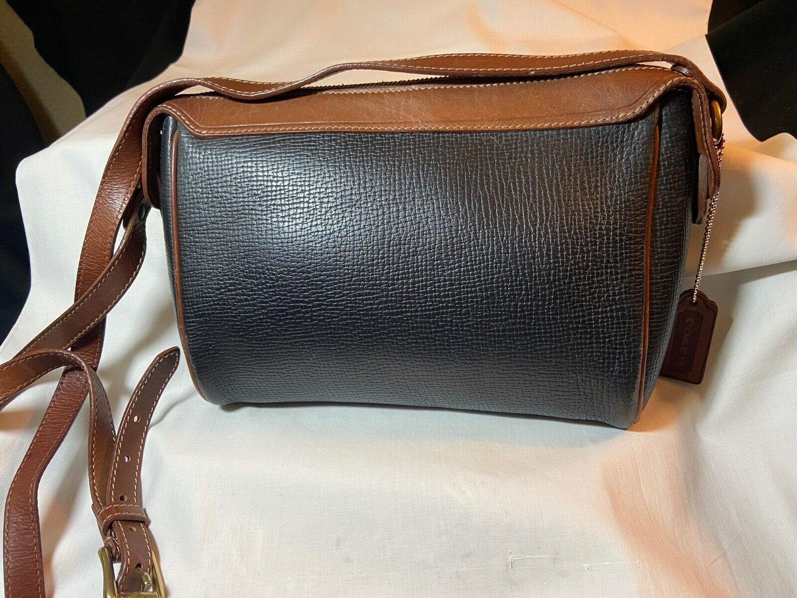Vintage Coach Black & Brown Classic Zip Top Pebble Leather Shoulder/Crossbody