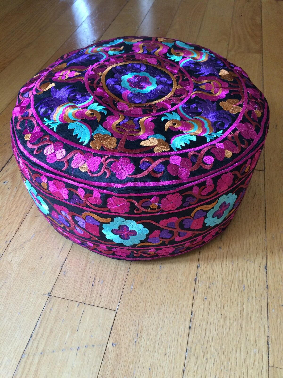 Meditation Cushion Organic Embroiderot 13 Fuchsia