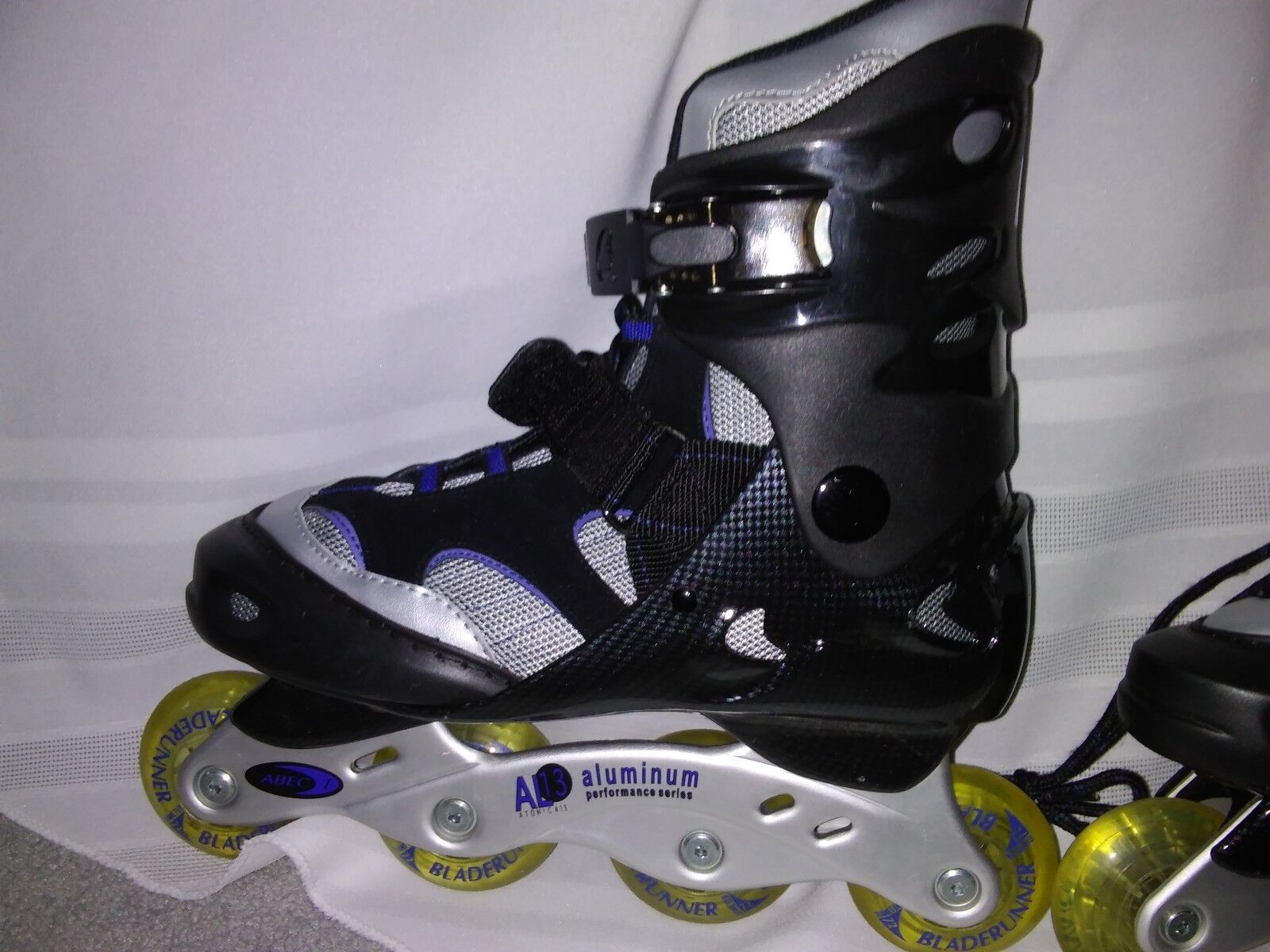 Ladies Rollerblades size  9_never worn  first time reply
