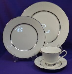 Image is loading 4-PC-PLACE-SETTING-LENOX-OXFORD-WHITE-ECHO- & 4 PC PLACE SETTING LENOX OXFORD WHITE ECHO BONE CHINA DINNERWARE ...