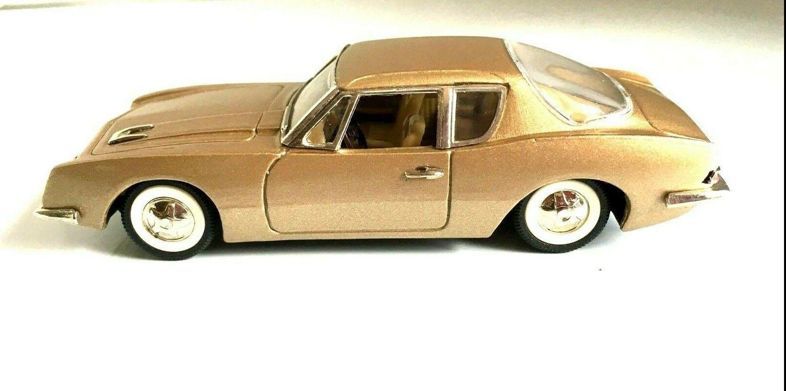 Buby 1 43 O Scale Diecast Studebaker Avanti '64 Model Car  gold