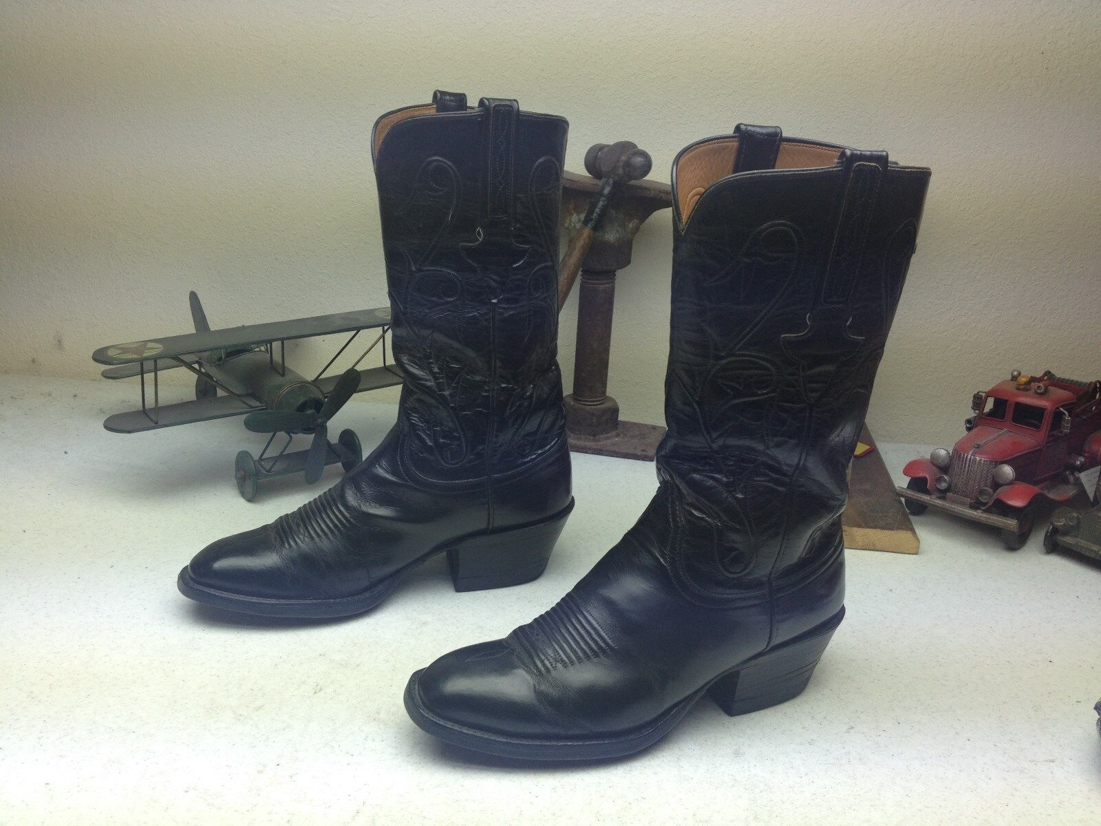 LUCCHESE CLASSICS MADE IN  A DISTRESSED LEATHER WESTERN ENGINEER BOOTS 7.5 EE