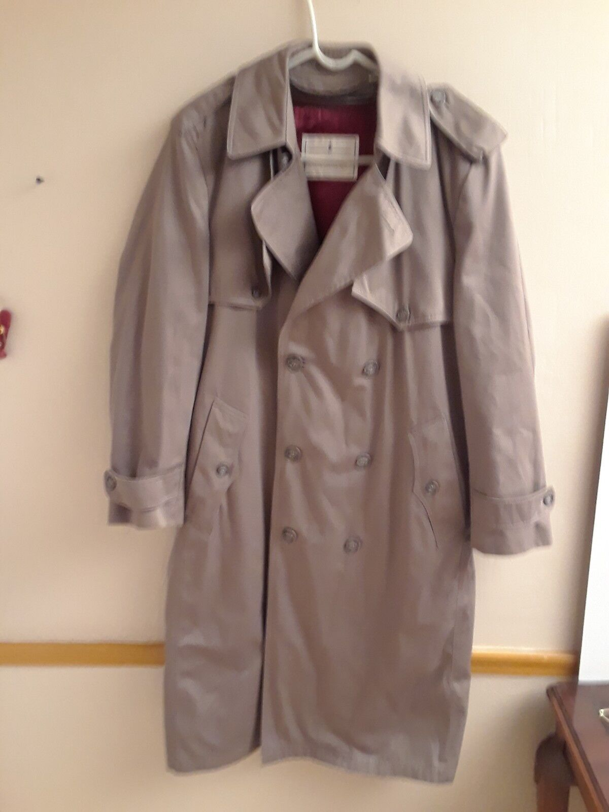 Men's Vintage Khaki Towne Trench Coat From London Fog with Zip Out Lining 38 Reg