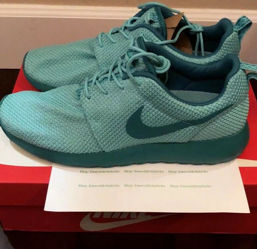 Men's Nike Roshe Run Turquoise Catalina Size 10.5 Brand New 100% Authentic