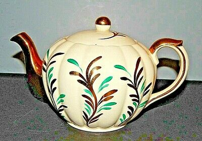 ENGLAND STAFFORDSHIRE TEAPOT with Lid