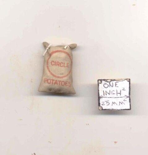 Sack of White Onions dollhouse miniature metal tool MUL1303 1//12 scale
