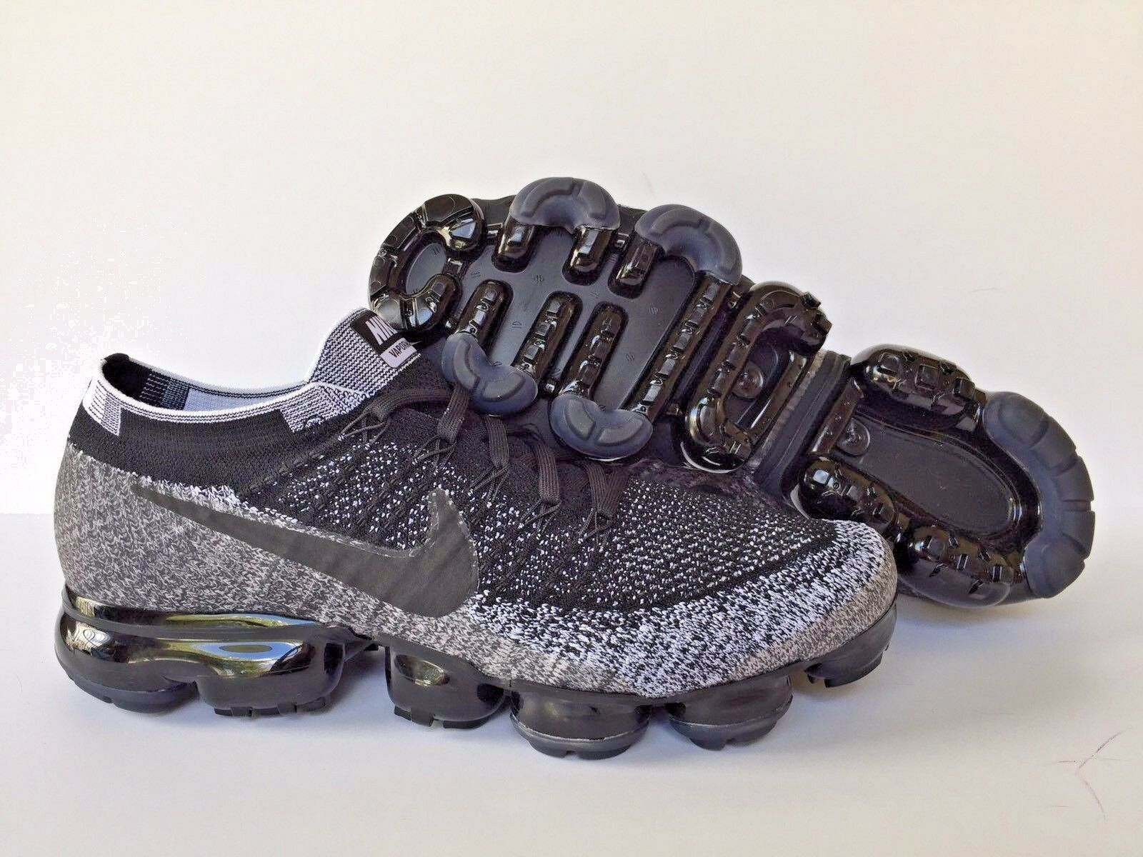 NIKE AIR VAPORMAX FLYKNIT ID BLACK-WHITE- SZ 10