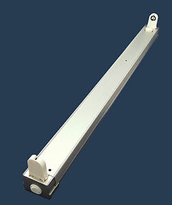 leuchte fassung lichtleiste 36w silber leuchtstofflampe neonr hre ebay. Black Bedroom Furniture Sets. Home Design Ideas