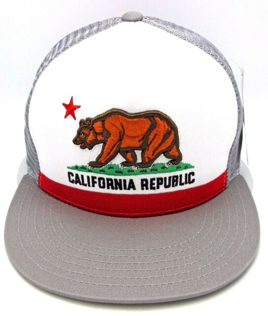 5944e594fa5 CALIFORNIA REPUBLIC Snapback Cap CALI Bear Trucker Mesh Flat Bill Hat OSFM  NWT