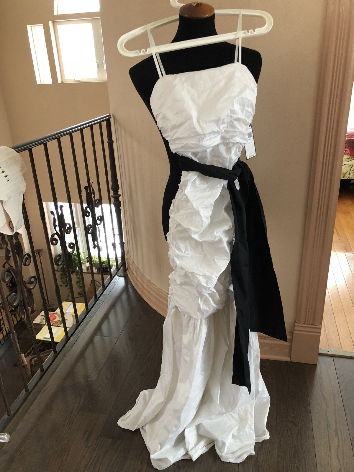 NWT white dress bcbg dress 0 (small)