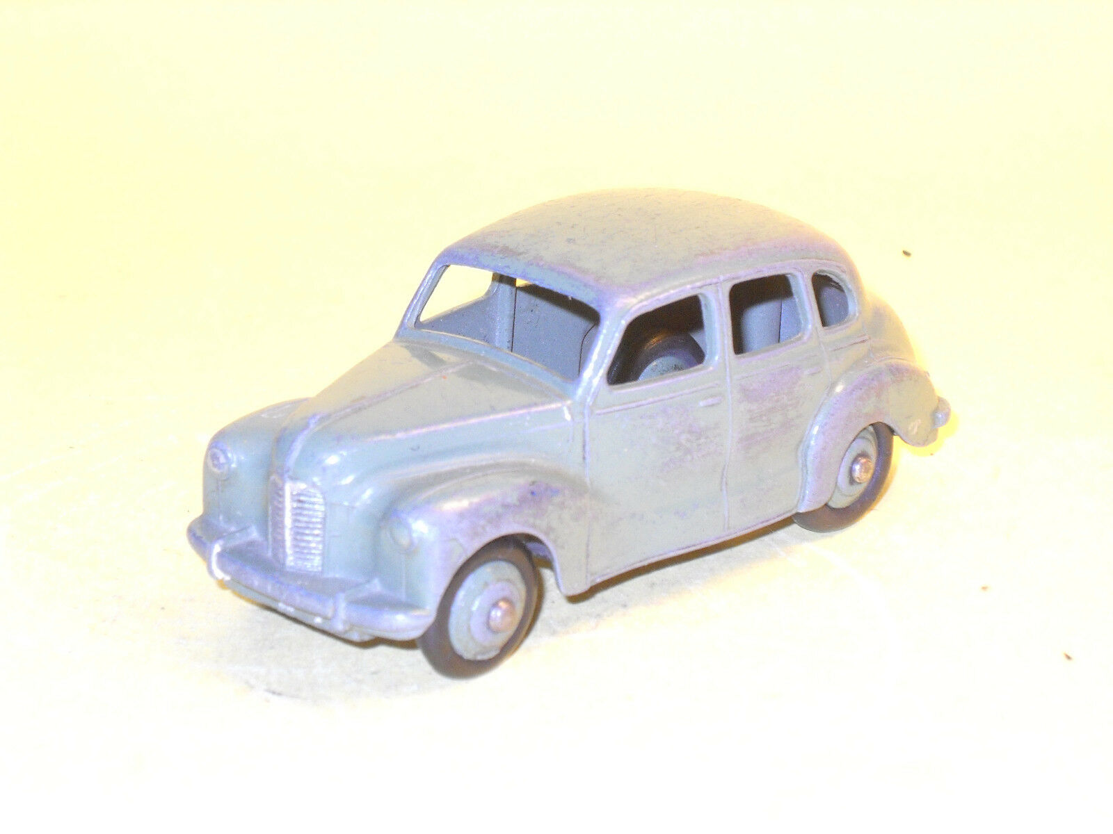 Dinky Toys 40d Austin Devon in vert, made in England