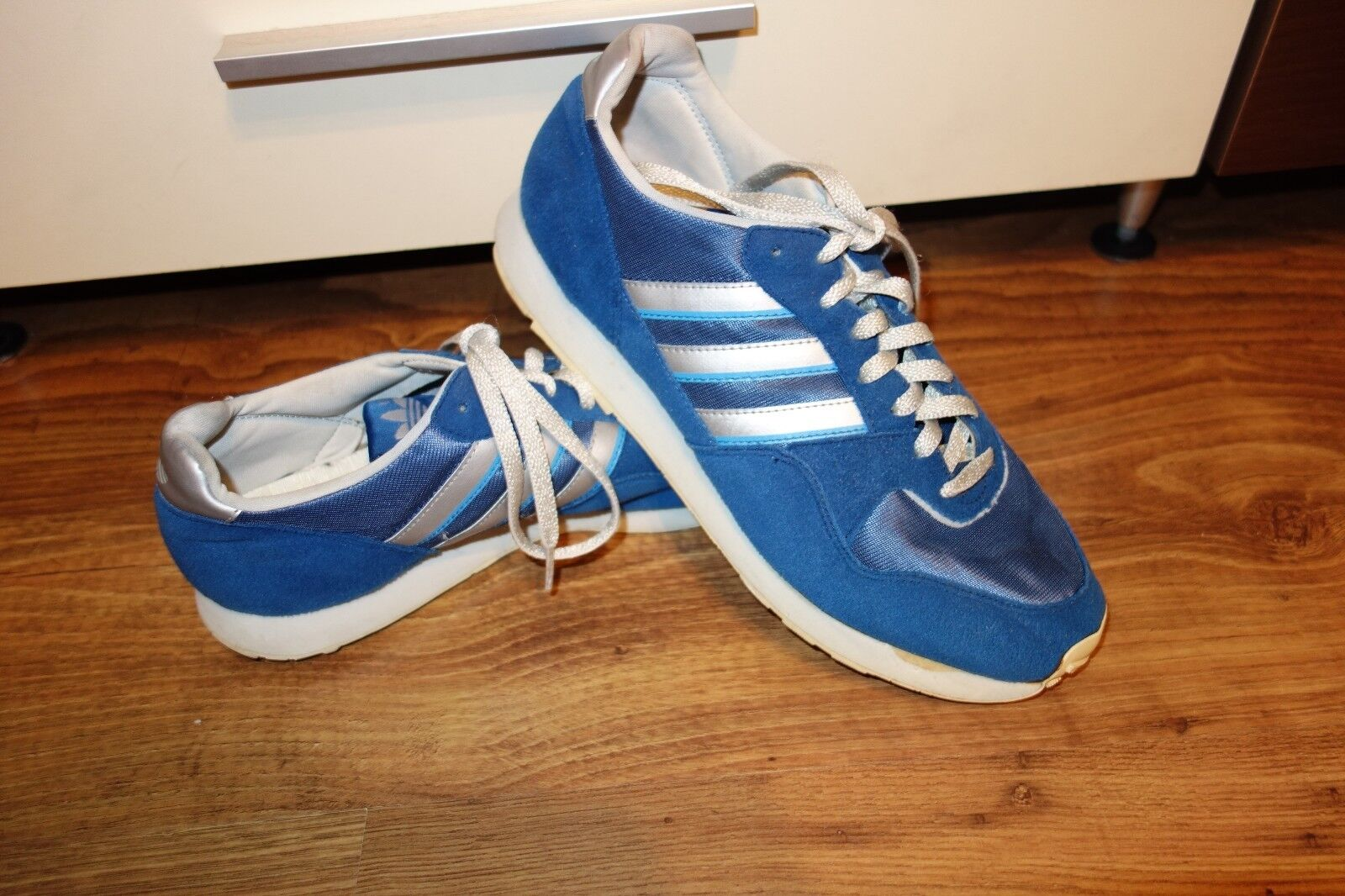 VINTAGE  RARE '90 ADIDAS JOGGING ,VERY GOOD CONDITION