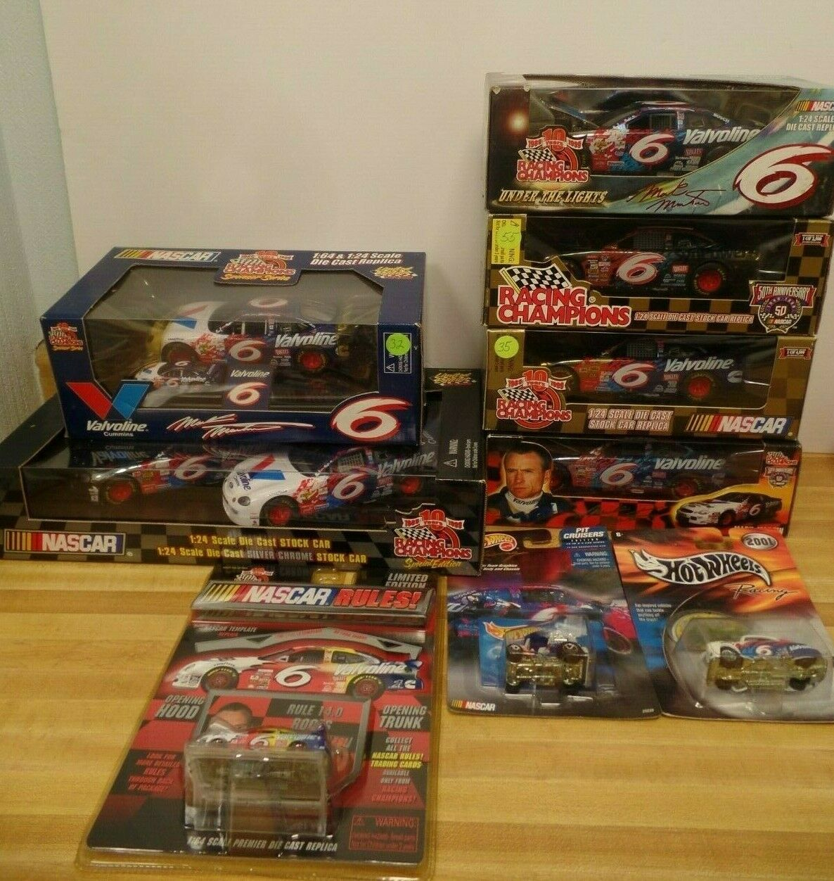 Mark Martin NASCAR Diecast Lot of 7 1 24 and 3 1 64 Racing Champion 042419DBT4