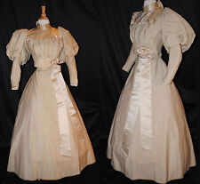 ANTIQUE DRESS c1895 WALKING OUTFIT LEG OF BUTTON SLEEVES MUSEUM DE-ACCESSIONED
