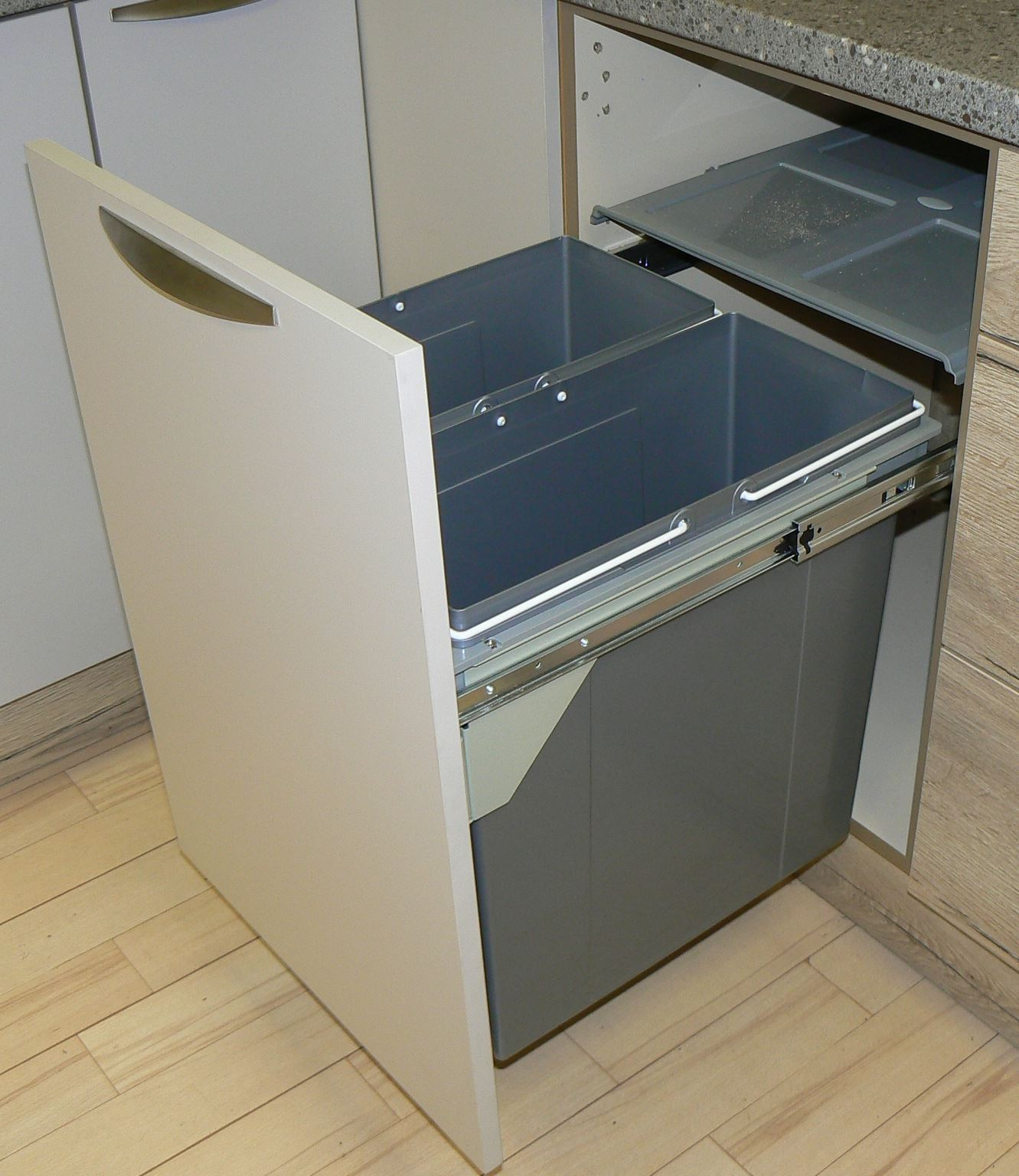 PULL OUT KITCHEN CABINET INTEGRATED RECYCLE WASTE BIN