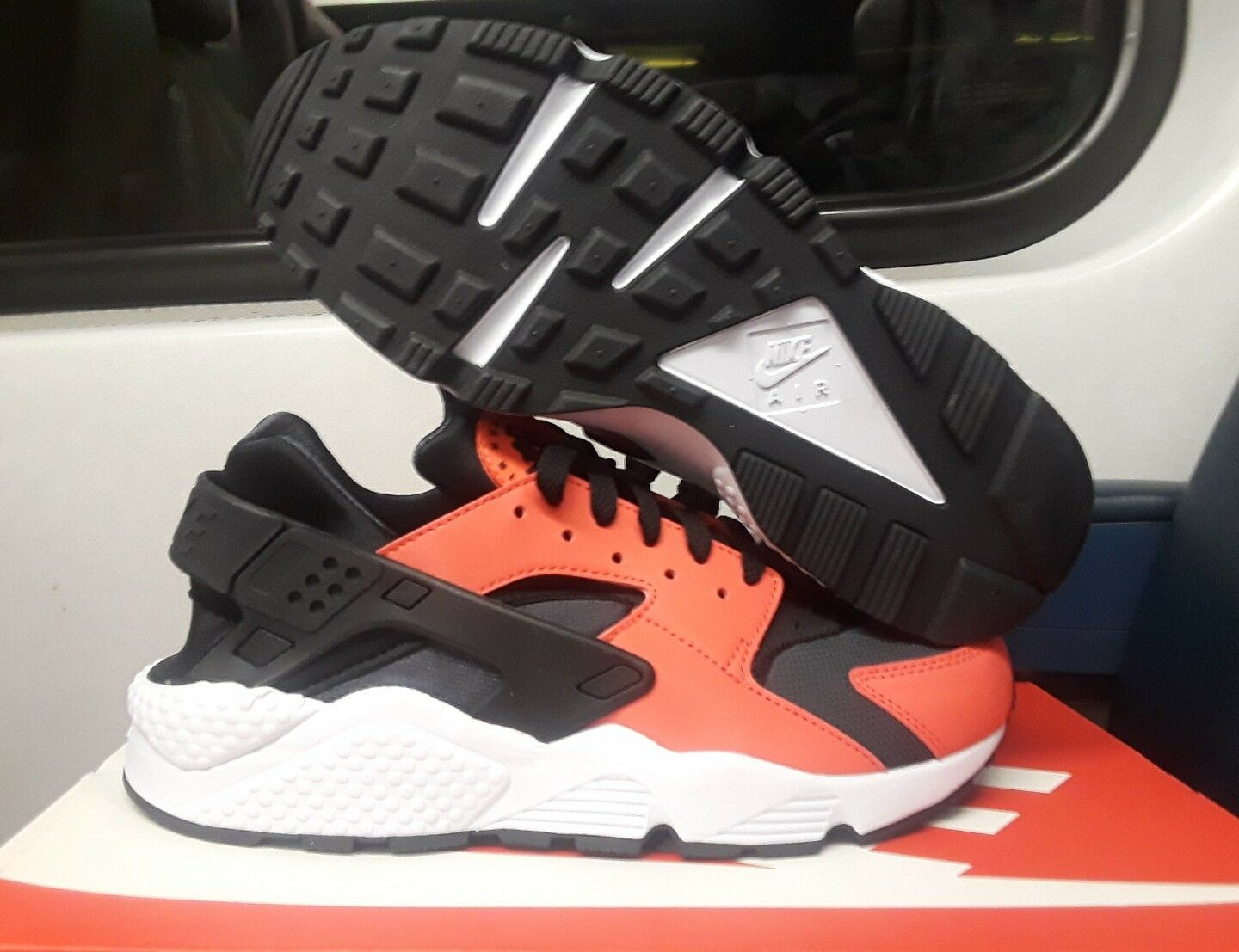 New shoes for men and women, limited time discount NIKE MEN'S AIR HUARACHE MAX ORANGE /BLACK  318429 800 Price reduction