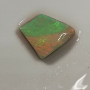 DISTINCTIVE-VIDEO-3-85CTS-SEMI-BLACK-CRYSTAL-OPAL-ROUGH-RUB-Lightning-Ridge
