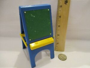 Toy-Little-Tikes-Dollhouse-Doll-accessories-part-toy-easel-chalkboard-white-art