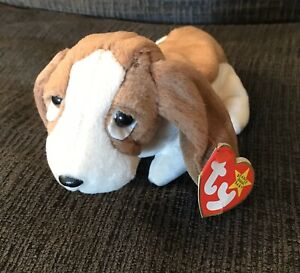 1997 / 1998 Ty Beanie Baby Tracker the Basset Hound Dog With Tag Errors