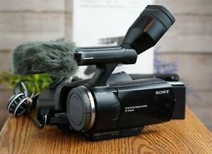 Sony-Handycam-NEX-VG10-Interchangeable-Lens-1080p-HD-Camcorder-Body