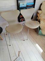 Arne Jacobsen, 3107, Hynder til syver stol
