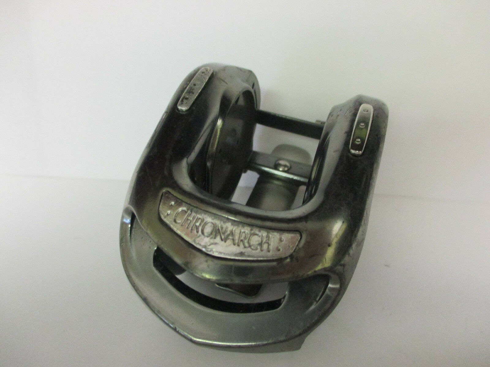 USED SHIMANO BAITCASTING REEL 100B PART - Chronarch CH 100B REEL - Frame  J d28dfc
