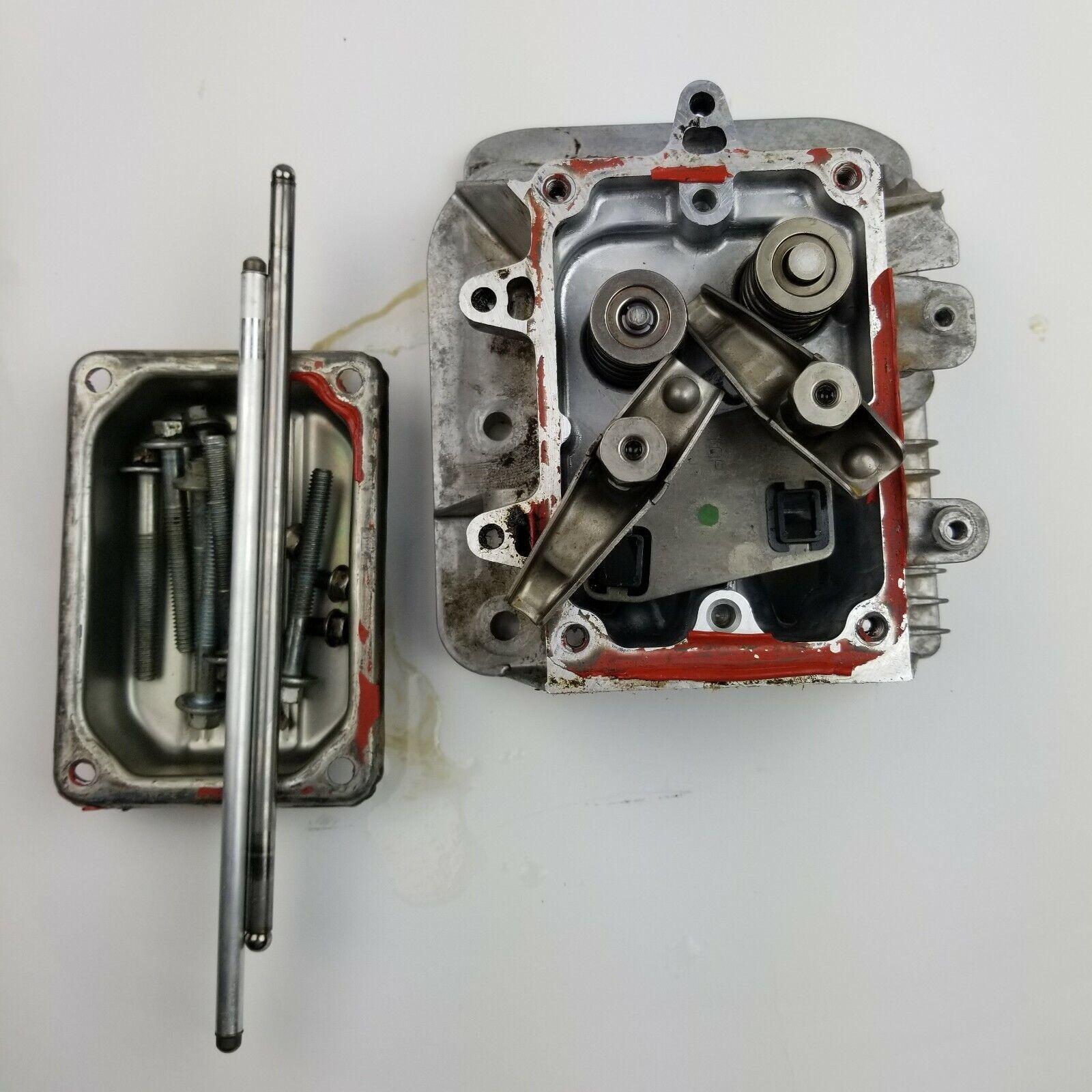 Briggs and Stratton 31G777 montaje de la cabeza del cilindro P N 796026, Cubierta, Rod's, etc.
