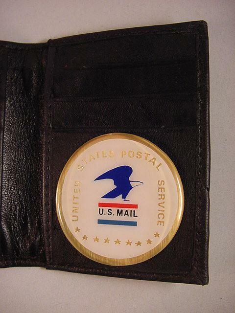 MAIL LOGO BLACK LEATHER BIFOLD 8 CREDIT CARD WALLET ID OUTSIDE NEW