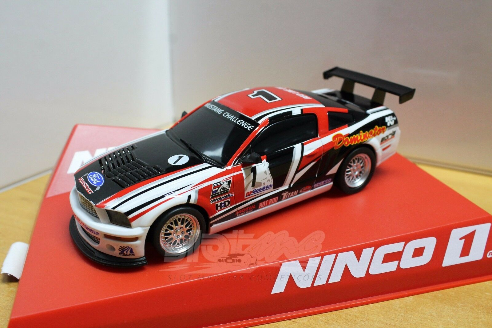 Ninco 55083 Ford Mustang Dominator 1 32  NEW