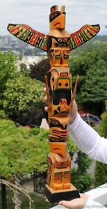 FINE-LARGE-OLD-NORTHWEST-COAST-KWAKIUTL-COWICHAN-INDIAN-CEDAR-TOTEM-c1940
