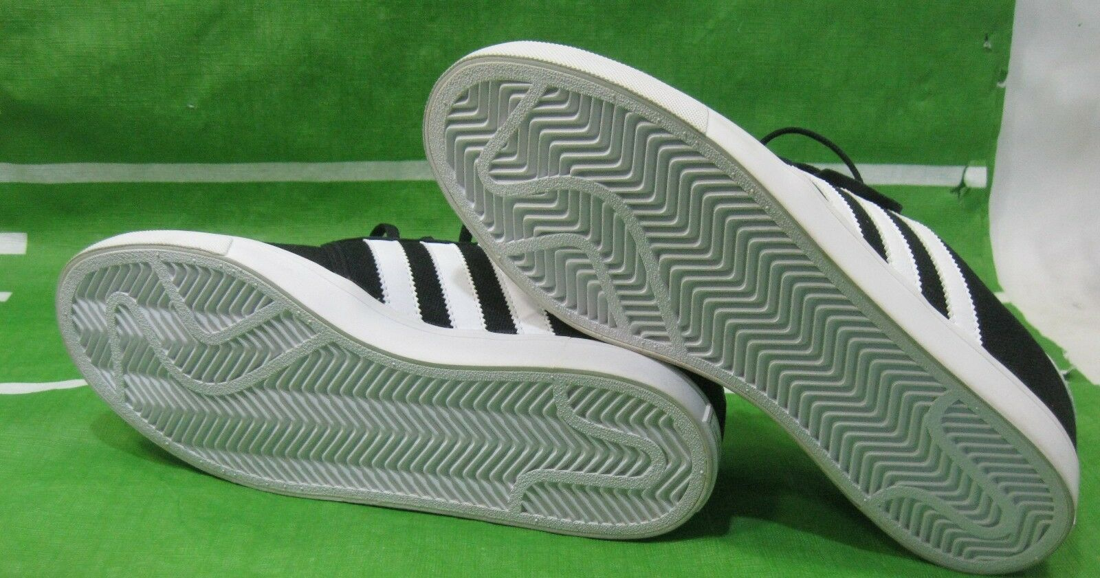 Adidas Originali Uomo Seeley Tela Tela Tela Sneaker, G23703, Nero/Bianco Taglia 8 7fa5b8
