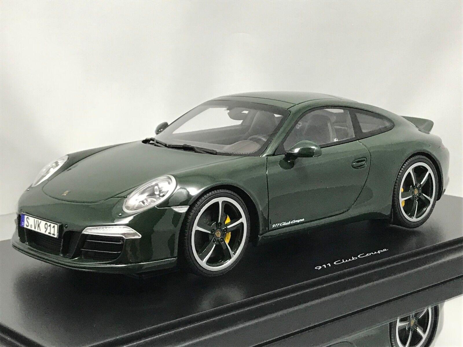 GT Spirit Porsche 911 (991) Carrera S Club Coupe 2014 Green with Showcase 1 18