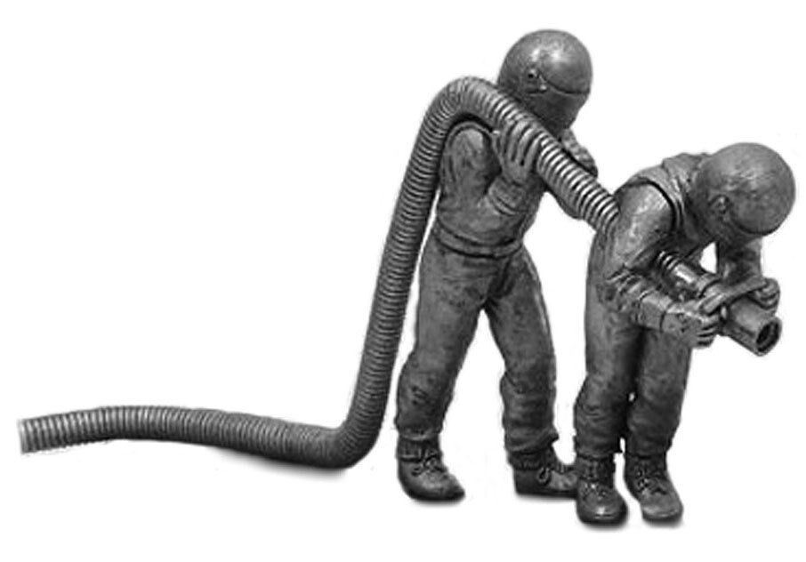 Denizen RD89 Motorsport Re-Fueller Set - Unpainted Metal Figurine 1 43 Scale