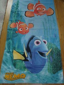 Disney-Findet-Nemo-Handtuch-ca-70-x-140-cm-100-Baumwolle-Kinder-Badetuch-Dorie
