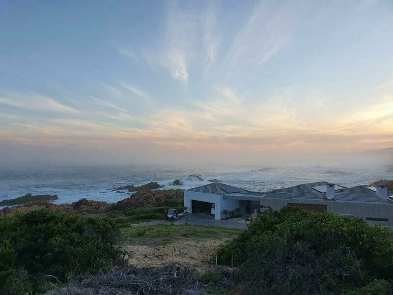 AWARD-WINNING GOLF COURSE PINNACLE POINT ESTATE ON THE GARDEN ROUTE