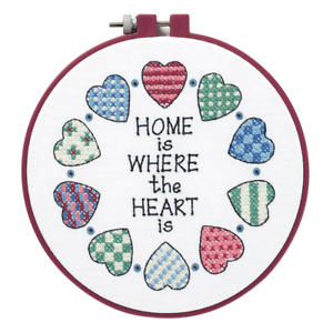 Dimensions-Stamped cross stitch kit-En savoir-a-Craft-maison et cœur-D72408