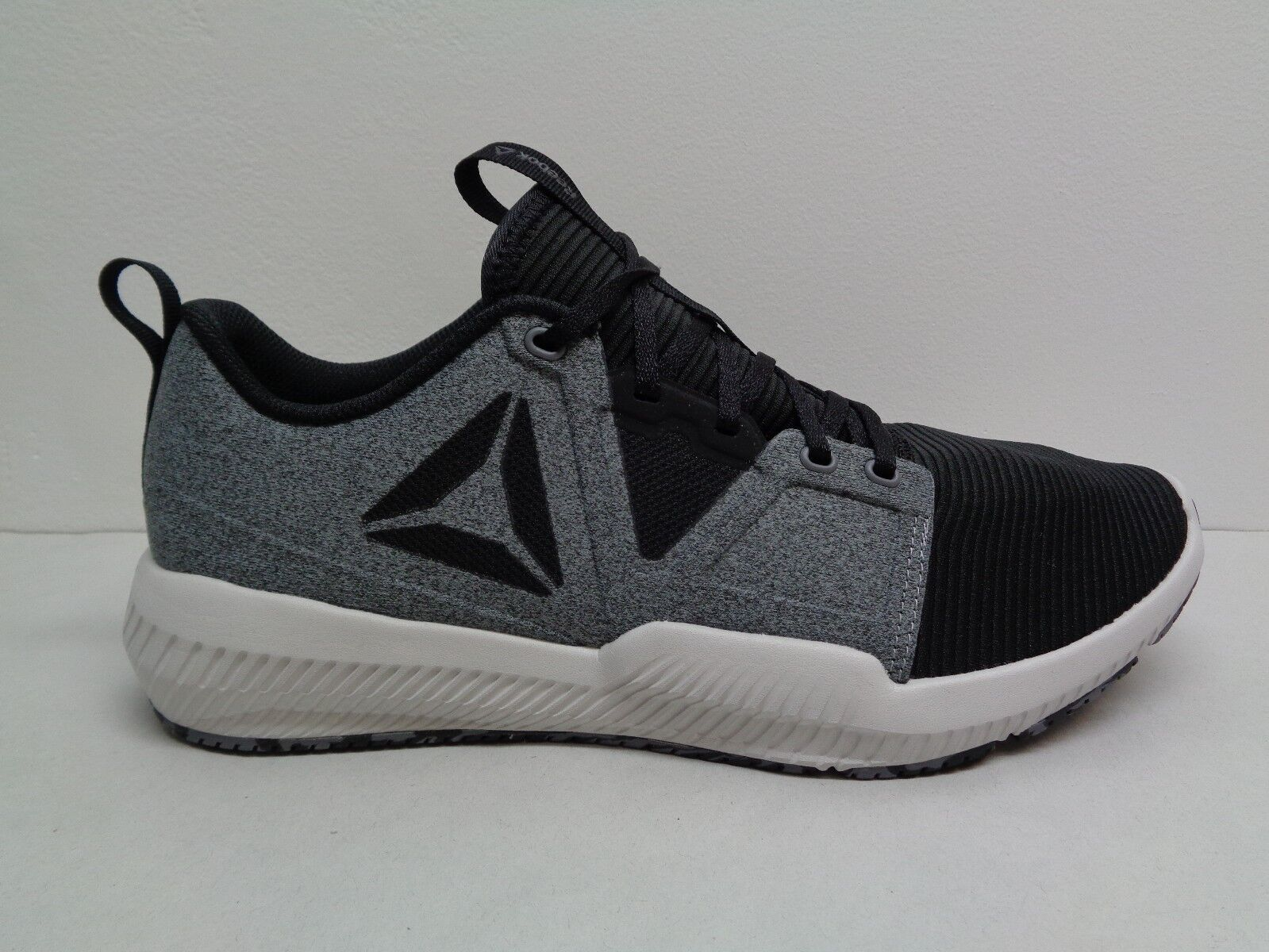 0fcc17f7aeee Reebok Men s Hydrorush TR SNEAKERS Athletic Tennis Shoes Size 12 for ...