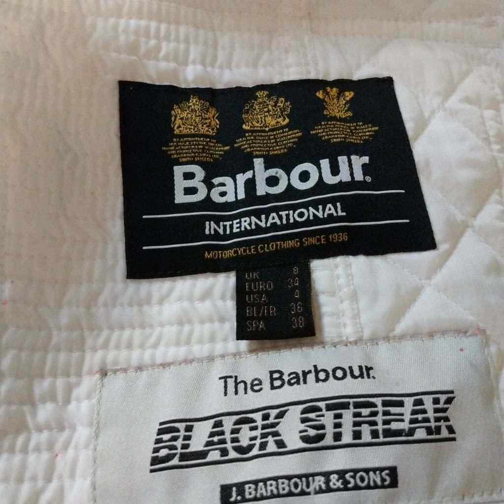 GUC QUILTED BARBOUR BELTED JACKET - image 2