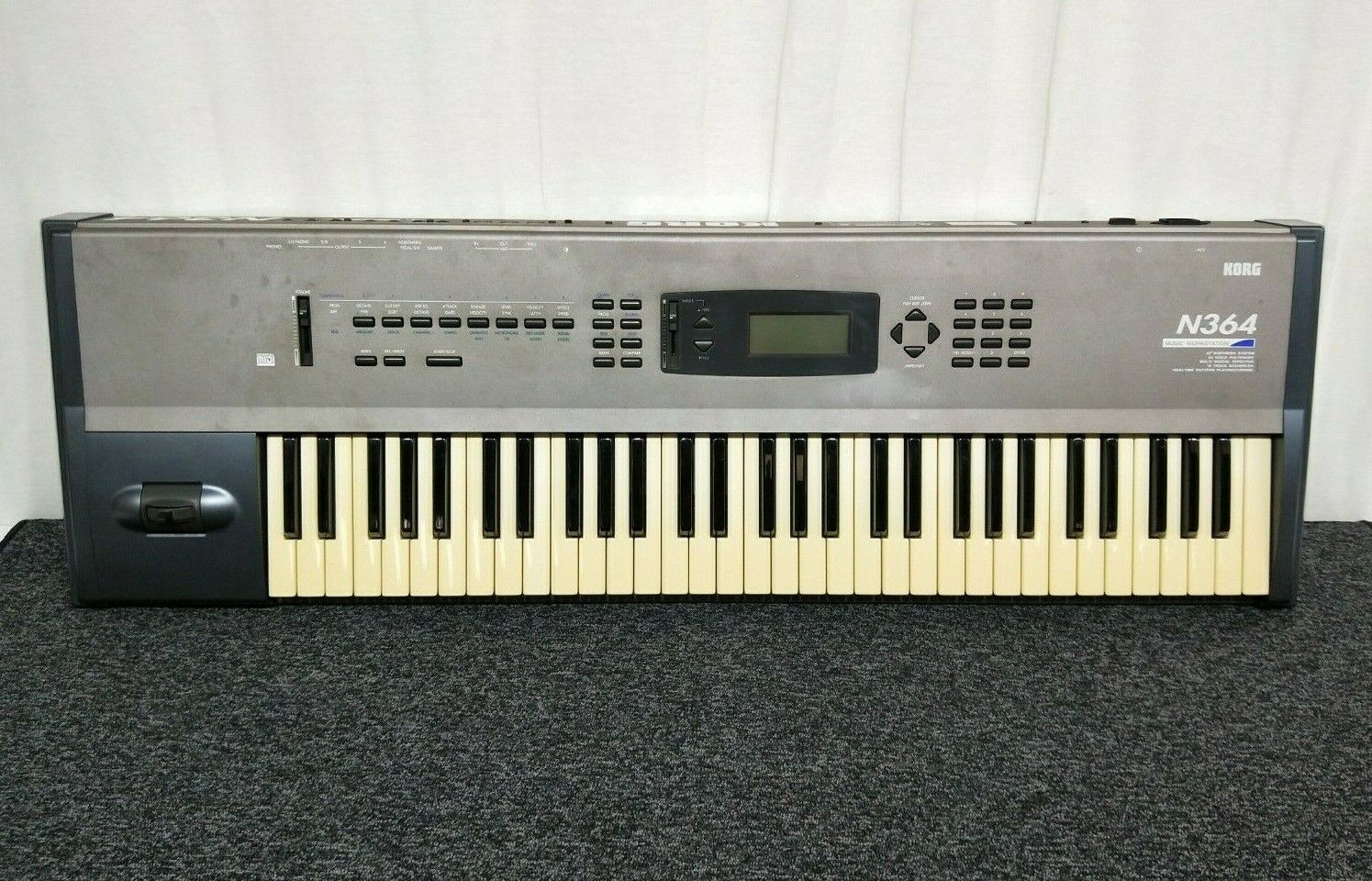 Korg N364 Music Workstation SyntheGrößer in Very Good Condition