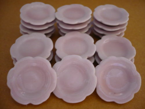 20 Pink Scalloped Plates Dollhouse Miniatures Ceramic Supply Food