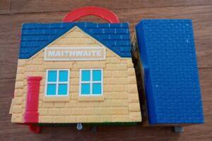 2009 Take N Play Maithwaite Mattel Fisher Price Thomas Train Sodor Mail garage
